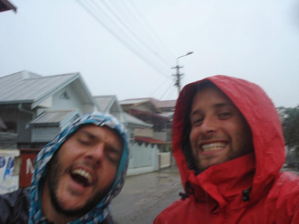 orage tropical au suriname Paramaribo