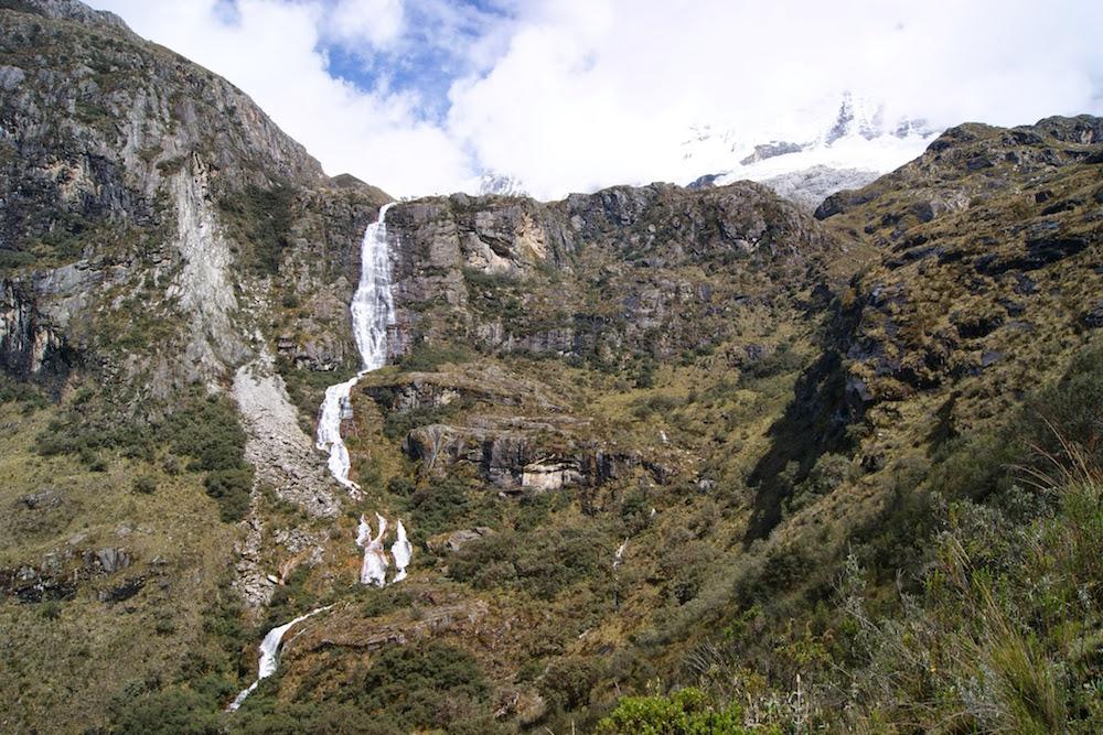 cascade d'eau douce trek laguna 69 Pérou