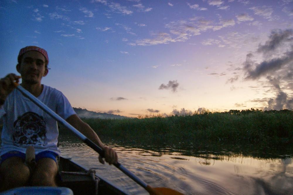 balade en canoë sur les marais de Kaw en Guyane