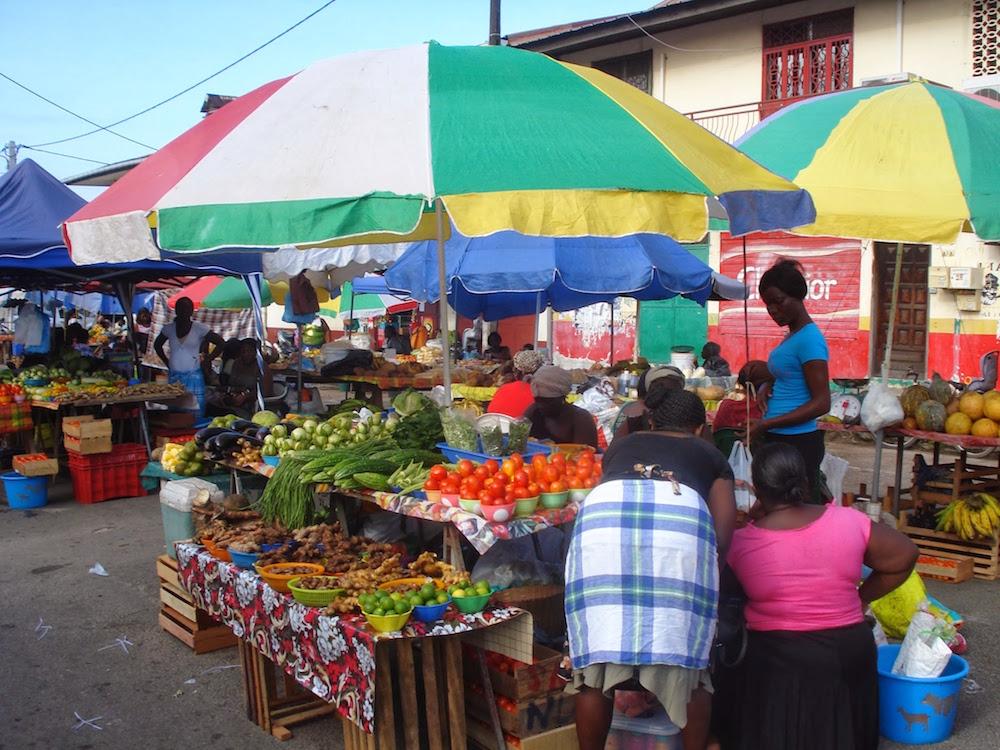 marché samedi saint laurent du Maroni Guyane