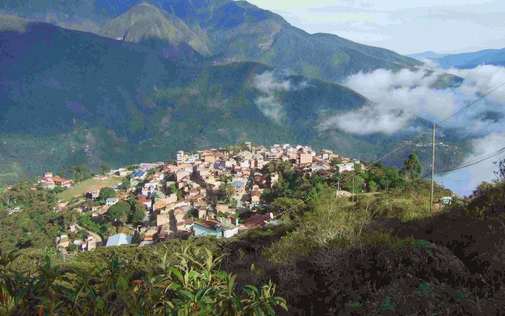 coroico montagnes bolivie yungas