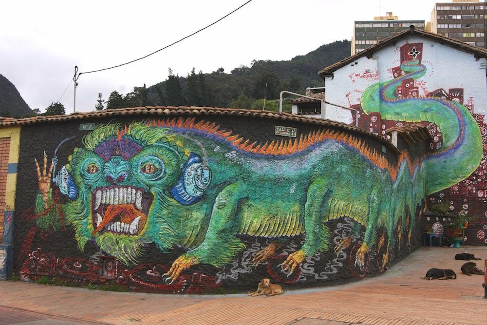 street art dragon Bogota