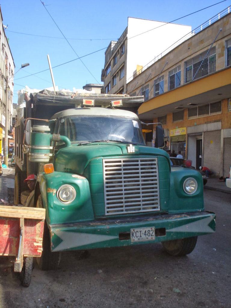 camion de transport Medellin Colombie