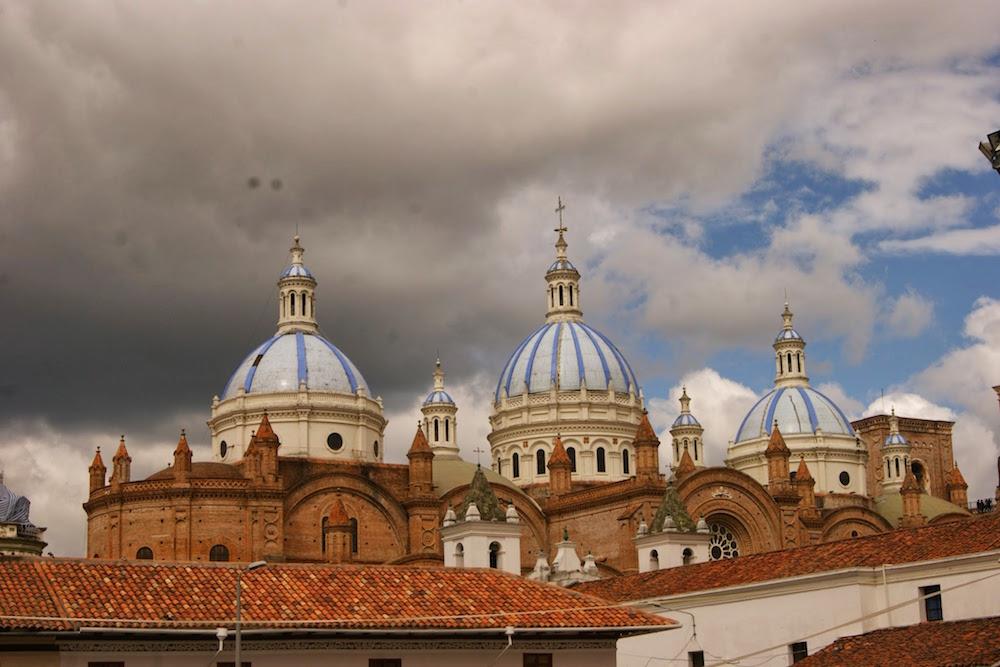 dômes bleus cathédrale de cuenca Equateur