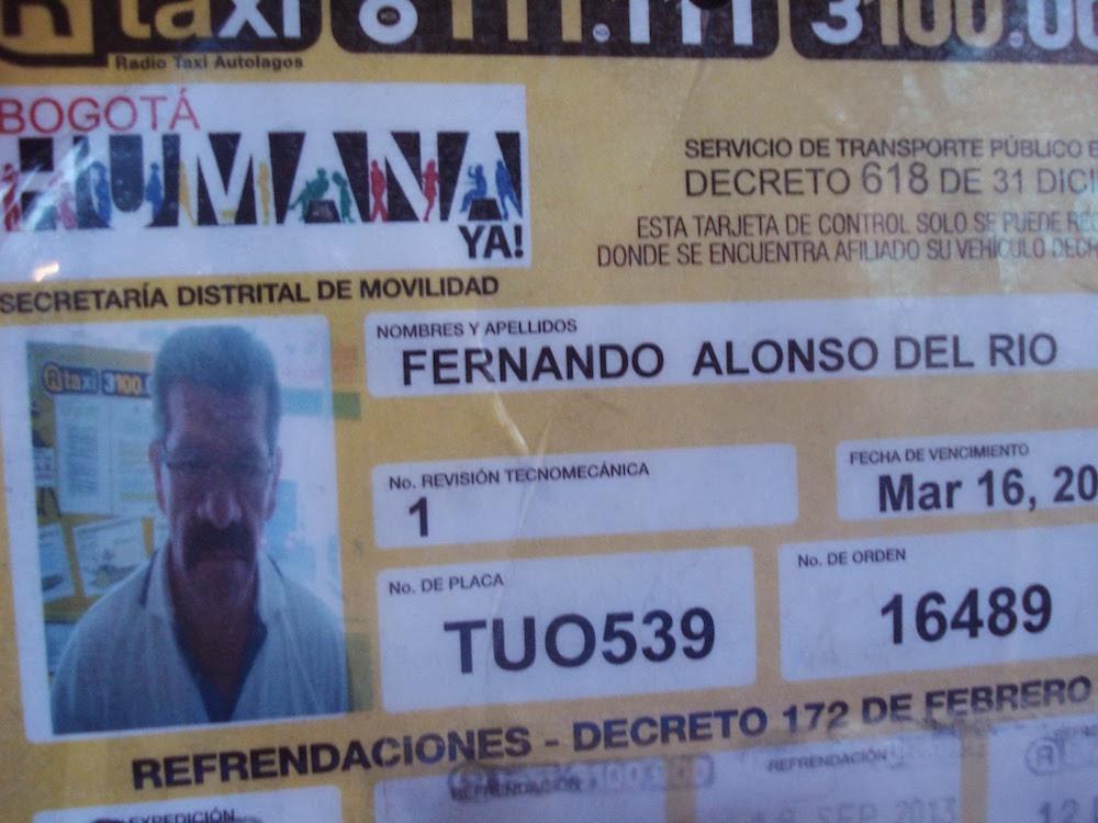 chauffeur de taxi bogota Colombie