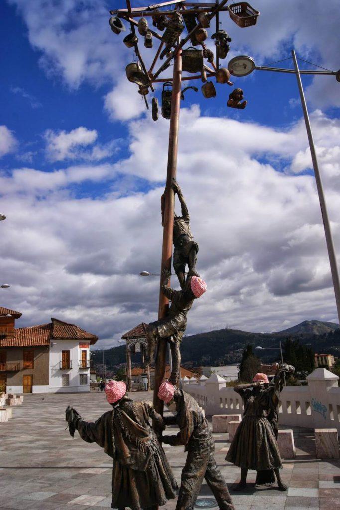 statue quanta BOB cochonou Equateur