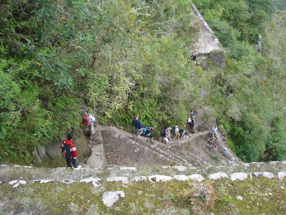 descente escaliers wayana picchu - pérou