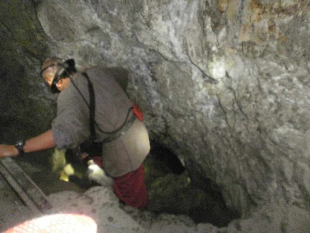 descente dans la mine de potosi bolivie