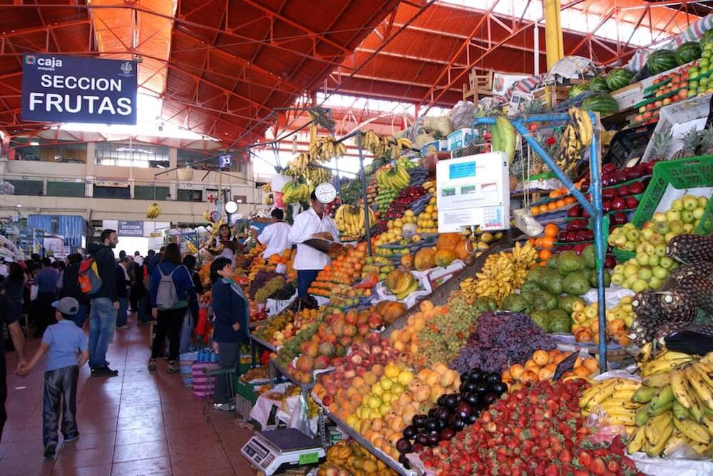 etalage de fruits marché d'Arequipa Pérou