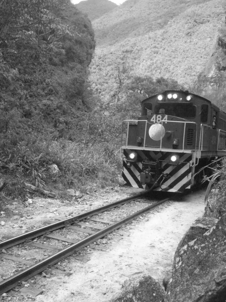train vers le machu piccu Pérou