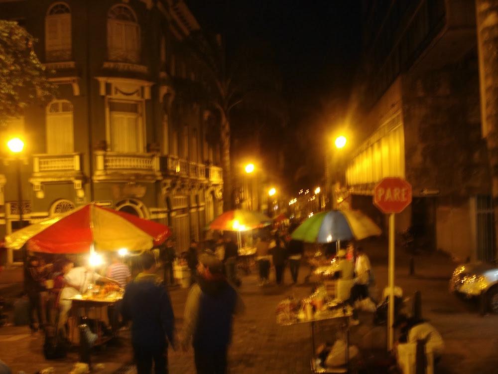 stands dans les rues lors des fériés de Manizales Colombie