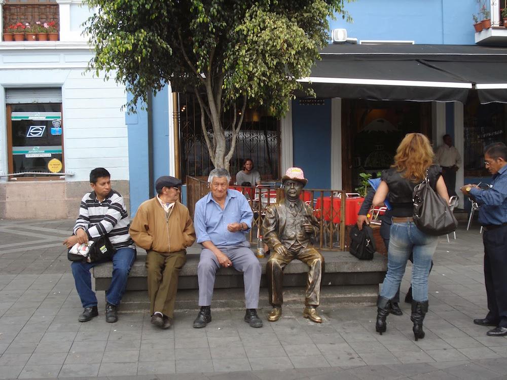statue bob cochonou Quito Equateur