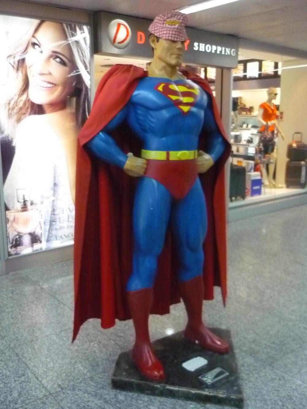 bob cochonou sur superman